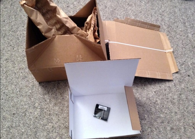 ecommerce small-item-shipping-in-large-box